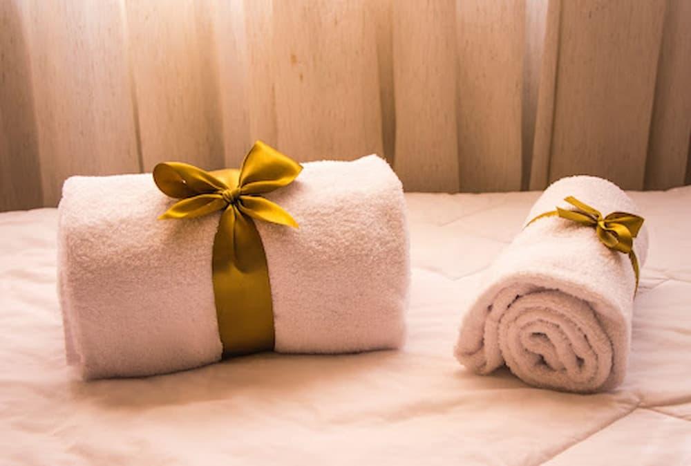 Toalha de rosto x toalha para lavabo: entenda a diferença